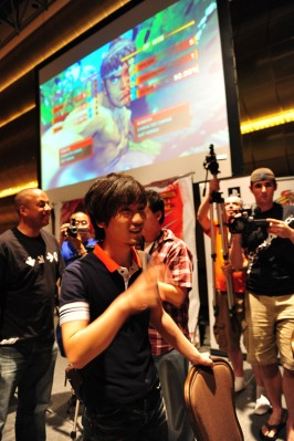 Daigo venciendo a Justin Wong en la final del Street Fighter IV.